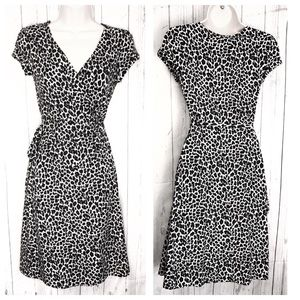 🔷BOGO🔷 Express cheetah short sleeve wrap dress